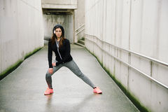Urban fitness winter workout Stock Photography