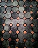 Urban fyrkant med kullersten Royaltyfria Bilder