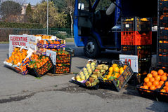 Urban italy streets vegetables car market Stock Photography