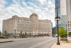 Urban landscape with view to Merchandise Mart, is a commercial building located in the downtown of Chicago, USA. Urban landscape with view to Merchandise Mart royalty free stock photos