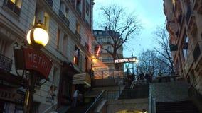 Urban Paris gata Montmartre arkivbild