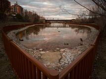 Urban parkerar sjön arkivbild