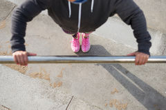 Urban push ups workout Royalty Free Stock Photography