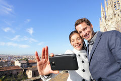 Urban young couple on travel in Barcelona Royalty Free Stock Photos