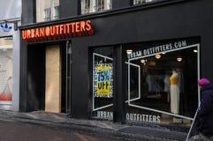 Urbanoutfitters butikskedja i Köpenhamnen Danmark 75% av Royaltyfria Foton