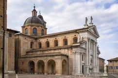 Urbino domkyrka, Italien Arkivbilder