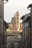 Urbino (marzo, l'Italia) - vecchie costruzioni Immagini Stock Libere da Diritti