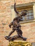 Urbino - statue en bronze de St Crescentino photos libres de droits