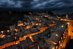 Urbino Włochy, noc widok fotografia stock