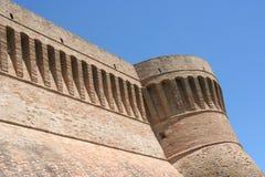 Urbisaglia väggar, Marche, Italien royaltyfria bilder