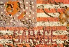Urblekt grungy amerikanska flaggangaragetecken Royaltyfria Foton