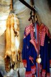 Ureinwohner-Kostüm stockbild
