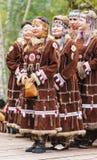Ureinwohner von Kamchatka-Tanzen auf Tanzmarathon stockfoto