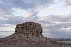 Urga, ruína no platô de Usturt imagem de stock royalty free