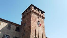 Urgnano, Bergamo, Italia Il castello medievale nel centro del villaggio video d archivio