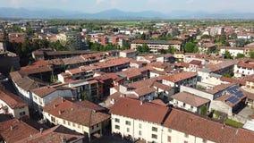 Urgnano, Bergamo, It?lia Vista da vila e do castelo medieval da parte superior da torre de sino video estoque