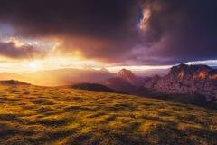 Urkiola pasmo górskie przy zmierzchem obrazy royalty free