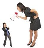 Urlo arrabbiato della donna di affari Immagine Stock