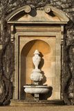 Urna dentro de la alcoba de piedra Fotos de archivo libres de regalías