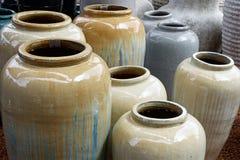 Urnas de cerámica grandes Fotos de archivo libres de regalías