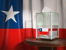 Urne avec le drapeau du Chili et des bulletins de vote Le Chilien président Photo stock