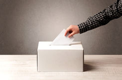 Urne avec le vote prépondérant de personne Photos libres de droits