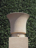 Urne bei Normandie Omaha Beach Cemetery Lizenzfreie Stockbilder