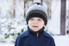 Urocza berbeć chłopiec na pięknym zima dniu Obraz Royalty Free
