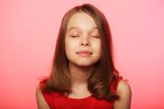 urocza dziewczyna się uśmiecha zdjęcia stock