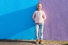 urocza dziewczyna trochę outdoors Obraz Stock