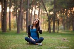 Urocza dziewczyna w parku Obraz Stock
