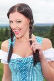 Urocza młoda kobieta z pięknym uśmiechem obrazy royalty free