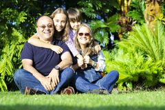 Urocza rodzina Cieszy się Wpólnie Obraz Stock