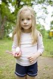 uroczego blond dziecka czysty dziewczyna chcieć jej zęby Obrazy Royalty Free