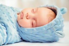 uroczego dziecka mały dosypianie zdjęcie stock