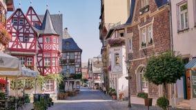 Uroczy Średniowieczny miasteczko Bacharach Niemcy obrazy royalty free