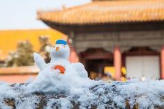 Uroczy śnieżny mężczyzna Obraz Royalty Free