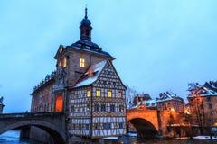 Uroczy stary urząd miasta Bamberg w zimie Obrazy Stock