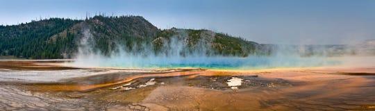Uroczysta Graniastosłupowa wiosny panorama, Yellowstone park narodowy Fotografia Stock