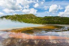 Uroczysta Graniastosłupowa wiosny Yellowstone parka narodowego panorama Obraz Stock