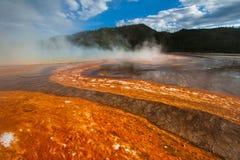 uroczysta graniastosłupowa wiosna wy Yellowstone Obrazy Stock