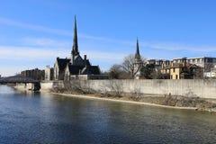 Uroczysta rzeka wzdłuż Cambridge, Kanada obrazy royalty free