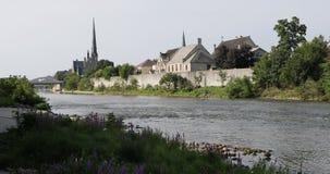 Uroczysta rzeka wzdłuż Cambridge, Kanada 4K zbiory