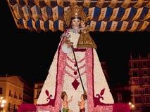Uroczysta statua dziewica Nuestra Senora De Los Desamparados w Fallas świętowaniu w Walencja Hiszpania obraz stock