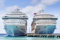 Uroczysta turczynka, turczynki i Caicos wyspy, - Kwiecień 03 2014: Karnawałowi swobody, karnawału zwycięstwa statki wycieczkowi w Zdjęcie Stock