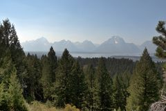 Uroczyste Teton góry i Jackson jezioro, WY, usa fotografia royalty free