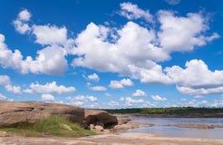 Uroczystego jaru zadziwiać skała w Mekong rzece Obrazy Royalty Free