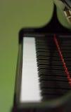 Uroczystego pianina zbliżenie od strony obraz stock