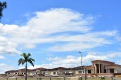 Uroczysty budynek mieszkalny Dla nabrzeże społeczności zdjęcie royalty free