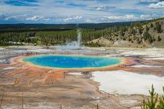 Uroczysty graniastosłupowy basen, Yellowstone park narodowy Obrazy Royalty Free